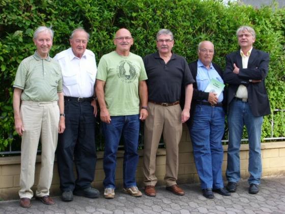 Egon Gross, Klaus Altmeyer, Paul Mattick, Udo Alder, Richard Wagner und Lothar Schmidt (v.l.n.r.) laden ein zur historischen Wanderung durch Lebach